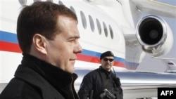 Robert Geyts Moskvada Dmitri Medvedevlə görüşəcək