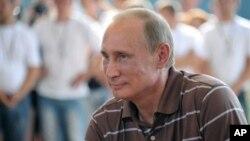 Владимир Путин во время выступления на Селигере