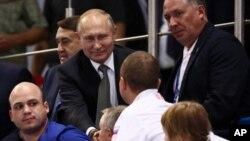 რუსეთის პრეზიდენტი მინსკში მოკრივეთა შეჯიბრს დაესწრო