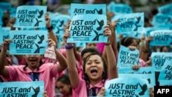 ကန္နဲ႔လမ္းခြဲတဲ့ Duterte ကို ျပည္သူတခ်ိဳ႕ေထာက္ခံ