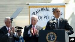 美國總統奧巴馬在5月15日出席陣亡執法人員紀念活動時對援助尼泊爾的過程中喪生的美國官兵表示了悼念。