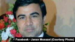 آقای موسی زی پیوند طبیعی میان مردم افغانستان و پاکستان را عامل نزدیک شدن شان میخواند.