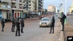 Conakry, le 11 octobre 2015, jour du premier tour de l'élection présidentielle. (Photo AP)