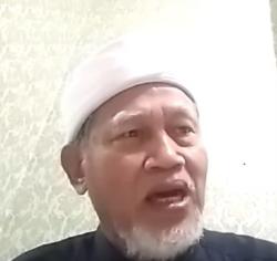 Tangkapan layar Pendiri Pondok Pesantren Tahfidz & Tafsir Al Badar Bogor Badrudin Subky. (Foto: Youtube Pusat Kajian dan Analisis Data)