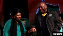 Nkosazana Dlamini-Zuma e Cyril Ramaphosa