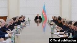Prezident İlham Əliyev Nazirlər Kabinetinin iclasına sədrlik edir