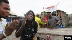 En images : manifestations dans les rues de Kinshasa