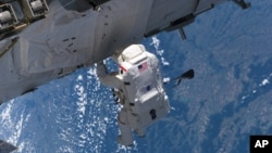 Work on the International Space Station assembly resumes, September 9, 2006. (NASA)