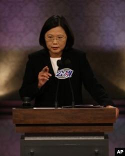 蔡英文在辯論會上講話