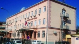 Lëndë acide në fytyrë një gjykatëseje në Vlorë