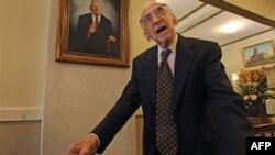 Vdes njeriu më i moshuar në botë