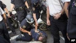 "Arrestation de manifestants du mouvement ""Occupy Wall Street"" à New York"