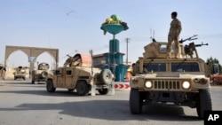 ہفتے کو ہونے والے انتخابات کے دوران طالبان کے حملوں کے خدشے کے پیشِ نظر پورے افغانستان میں سکیورٹی انتہائی سخت ہے۔ (فائل فوٹو)
