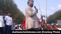 Charles Zacharie Bowao lors d'un meeting au Congo-Brazzaville le 27 septembre 2015