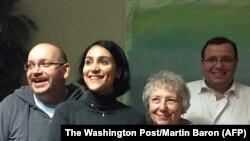 جیسون رضائیان و همسرش یگانه صالحی همراه مادر و برادر خود در آلمان