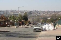 Matthews and Dube often wander along Soweto's famous Vilakazi Street, performing songs for tourists