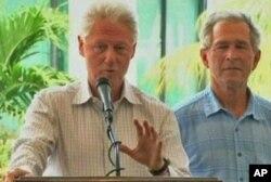 Les anciens présidents Bill Clinton et George Bush s'adressant à la conférence internationale pour la reconstruction d'Haiti (Archives)
