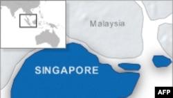 Nhà văn Anh bị bắt ở Singapore
