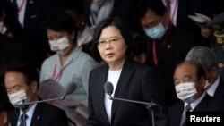 资料照:台湾总统蔡英文在双十国庆庆典上讲话。(2020年10月10日)