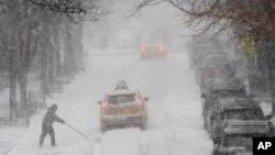 نیویارک کے علاقے مین ہٹن کی ایک شاہراہ کا منظر