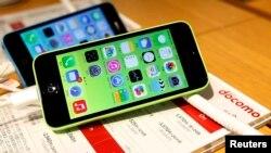 Apple menolak permintaan FBI untuk meretas sistem keamanan pada produk iPhone terkait serangan di San Bernardino, California (foto: ilustrasi).