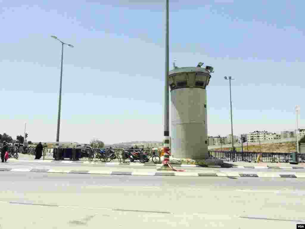 دیوار حائل بین اسرائیل و کرانه باختری