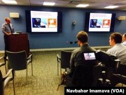 Jorj Vashington universitetida ekspert Noa Taker bilan muloqot, 18-fevral, 2016