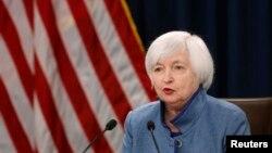 聯儲局主席在宣布提高利率的記者會上回答問題。 (2016年12月14日)