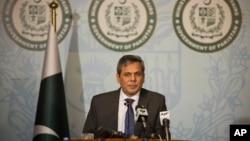 2016年年9月29日巴基斯坦外交部發言人扎卡里亞在伊斯蘭堡發表聲明。