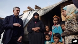 Филиппо Гранди и сирийские беженцы. Ливан. 22 января 2016 г.
