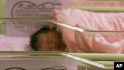 前往香港生產的大陸孕婦人數從2010年的500人猛增到2011年的1650人