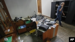 El director del diario Confidencial, Carlos Fernando Chamorro, entregó el martes 18 de diciembre de 2018 un recurso de amparo que busca que le devuelvan los medios incautados por la policía de Nicaragua.