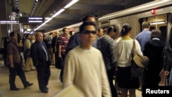 Một trạm xe điện ngầm ở thành phố Los Angeles.