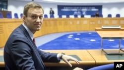 Tư liệu_ Lãnh đạo đối lập Nga Alexei Navalny dự cuộc điều trấn tại Tòa án Nhân quyền quốc tế ở Strasbourg, miền Đông nước Pháp, ngày 15/11/2018. (AP Photo/Jean-Francois Badias)