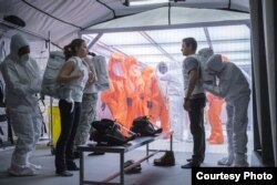 "Amy Adams and Jeremy Renner in a scene from ""Arrival"" (Photo courtesy Paramount Pictures)"