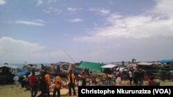 Des réfugiés congolaise installés dans les camps de la région de Rumonge, au Burundi, le 26 janvier 2018. (VOA/Christophe Nkurunziza)