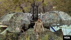 Militer Pakistan menyiagakan sistem pertahanan anti pesawat di perbatasan.