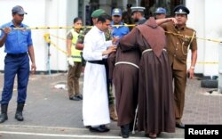 هدف این حملات، کلیساهایی بودند که مراسم عید پاک را اجرا می کردند.