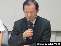 台湾外交部亚太司长何登煌 (美国之音张永泰拍摄)