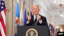ប្រធានាធិបតីសហរដ្ឋអាមេរិកលោក Joe Biden ក្នុងពេលថ្លែងសុន្ទរកថាខួប១ឆ្នាំនៃការរាតត្បាតនៃជំងឺកូវី១៩ នៅសេតវិមាន រដ្ឋធានីវ៉ាស៊ីនតោន កាលពីថ្ងៃទី១១ ខែមីនា ឆ្នាំ២០២១។
