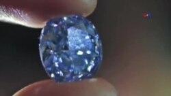 Nadir mavi brilyantın qiyməti 30-la 35 milyon dollar arasındadır