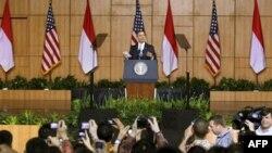 Predsednik Barak Obama obraća se studentima na Indonežanskom univerzitetu