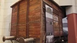 Потомците на настраданите порачуваат дека Холокаустот е опомена кон што може да води омразата