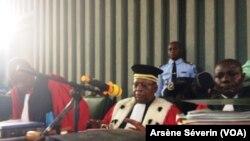 Le juge Christian Oba de la cour d'appel de Brazzaville, le 7 mai 2018. (VOA/Arsène Séverin)