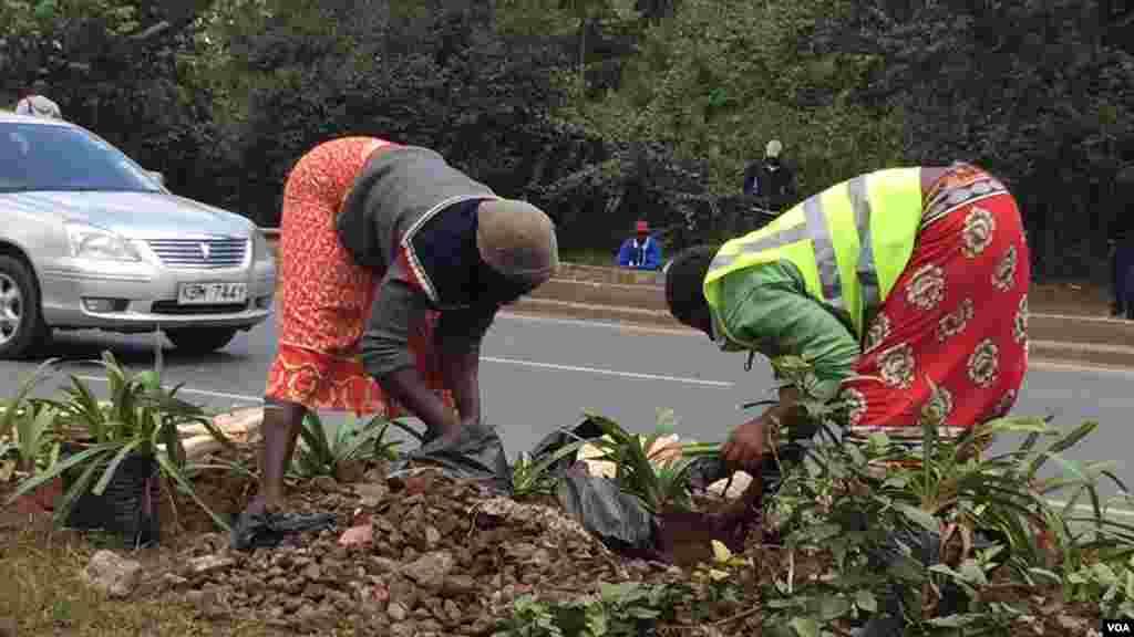 Usafishaji na ujenzi unaendelea kwenye Uhuru Highway