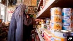 واردات افغانستان بیش از شش میلیارد دالر، در حالیکه صادرات آن نیم میلیارد هم نیست.