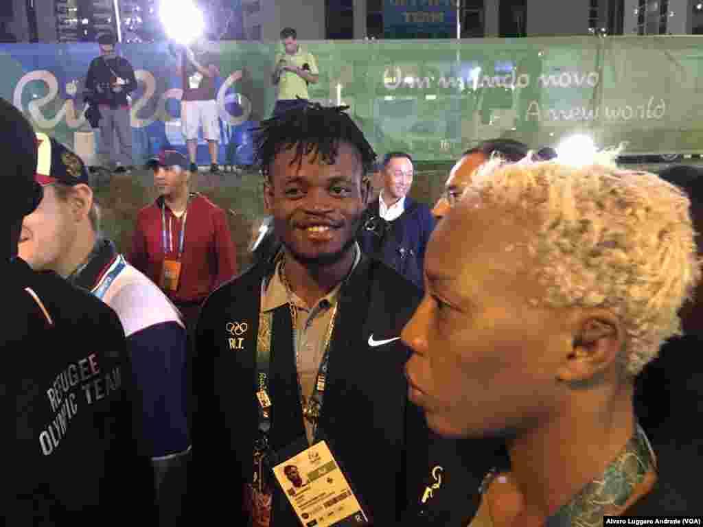 Popole Misenga e Yolanda Bukasa, membros da equipa olímpica de refugiados