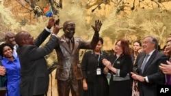 Inauguração da estátua de Nelson Mandela, sede das Nações Unidas, em Nova Iorque, 2018.