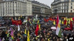 خۆپیشاندانی رۆژی شهممه له پاریس.