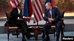 Tổng thống Mỹ Barack Obama và Tổng thống Nga Vladimir Putin tại Hội nghị thượng đỉnh G8 ở Lough Erne, Enniskillen, Bắc Ireland, ngày 17 tháng 6, 2013. (Reuters)